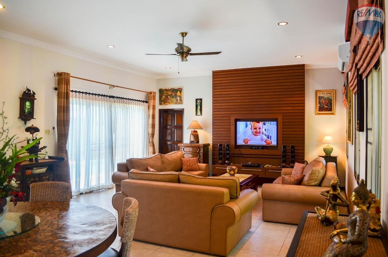 RE/MAX Harmony Agency's  Villa De la Sabai Sabai 6