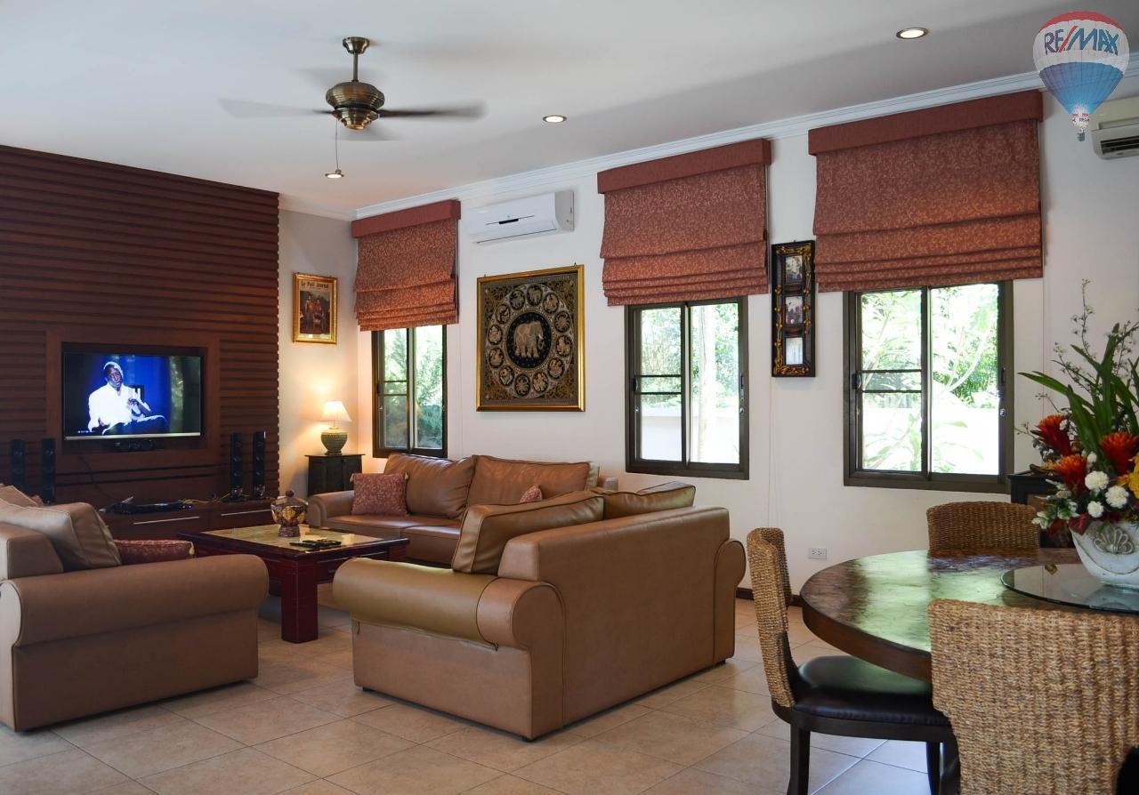 RE/MAX Harmony Agency's  Villa De la Sabai Sabai 8