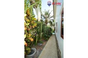 RE/MAX Harmony Agency's Cozy Pool Villa Near Sai Noi Beach Hua Hin 18