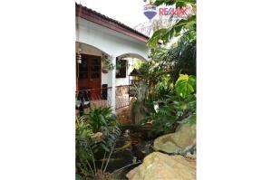 RE/MAX Harmony Agency's Cozy Pool Villa Near Sai Noi Beach Hua Hin 13