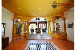 RE/MAX Harmony Agency's Villa Talay - Luxury Tuscan Sea View Villa 28