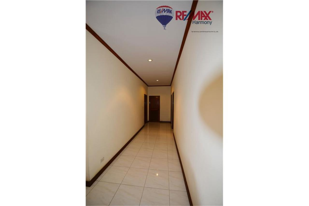 RE/MAX Harmony Agency's 4 bedrooms House Hua Hin Town 9