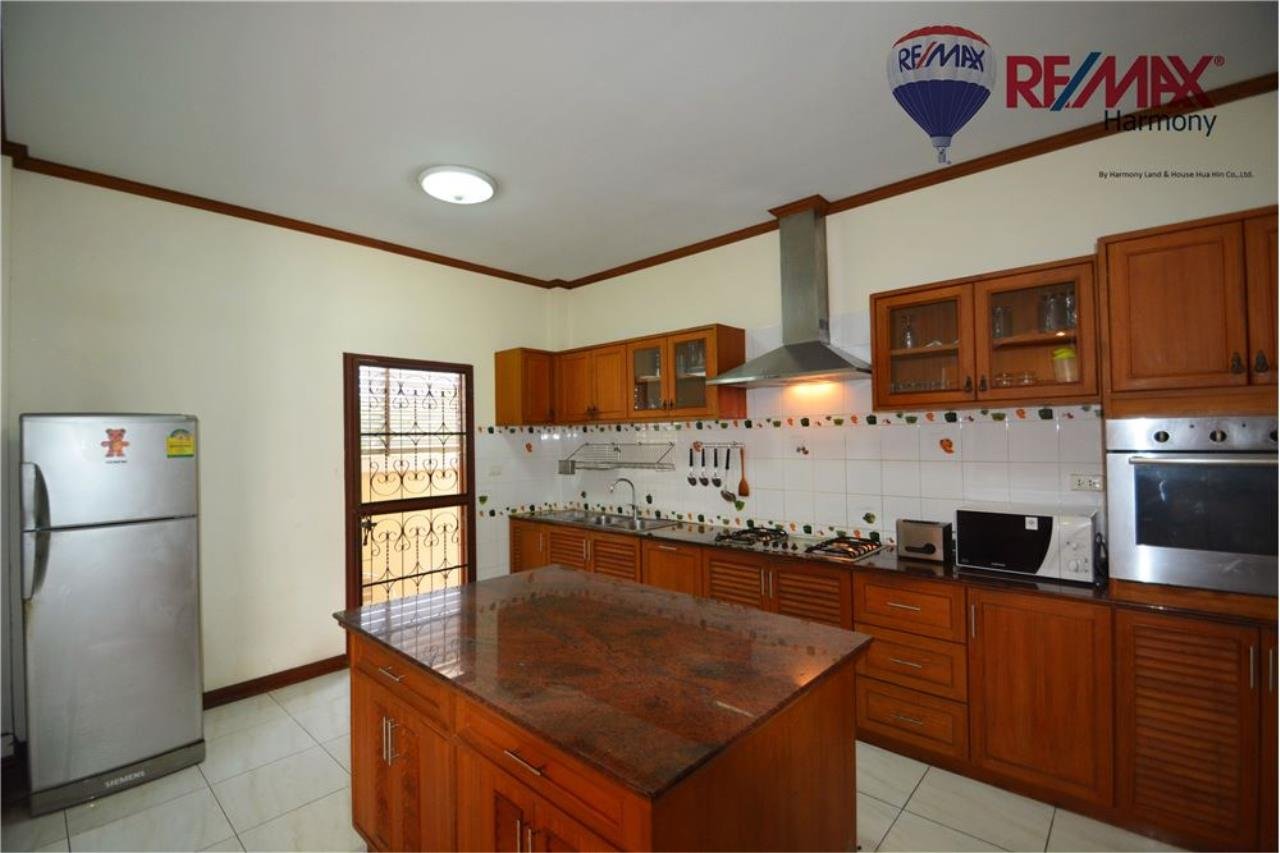 RE/MAX Harmony Agency's 4 bedrooms House Hua Hin Town 8