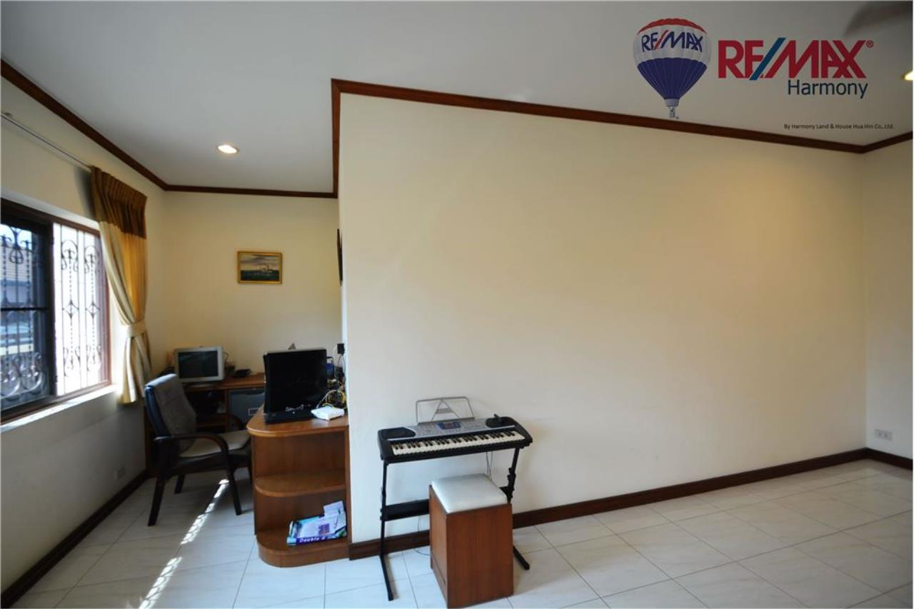 RE/MAX Harmony Agency's 4 bedrooms House Hua Hin Town 5