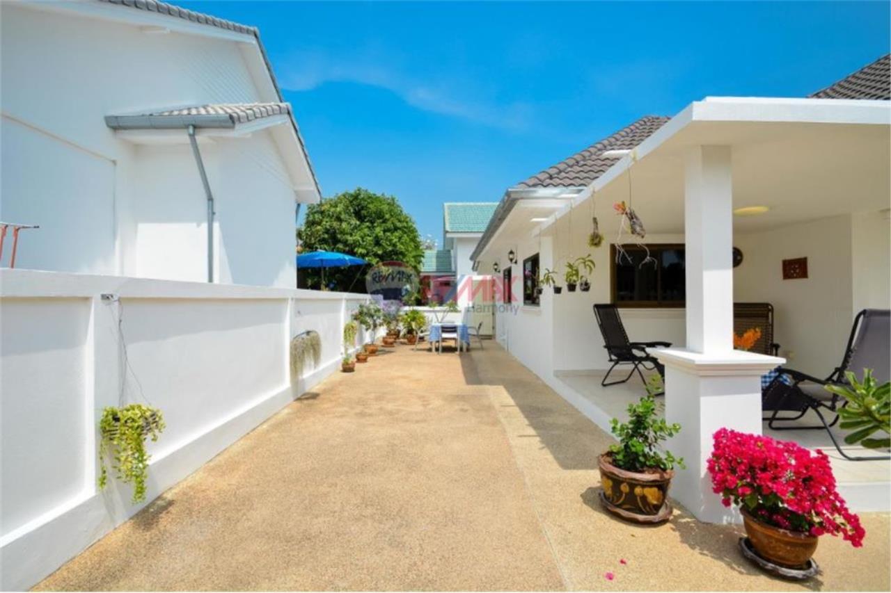 RE/MAX Harmony Agency's Cozy Villa Hua Hin Soi 10 16