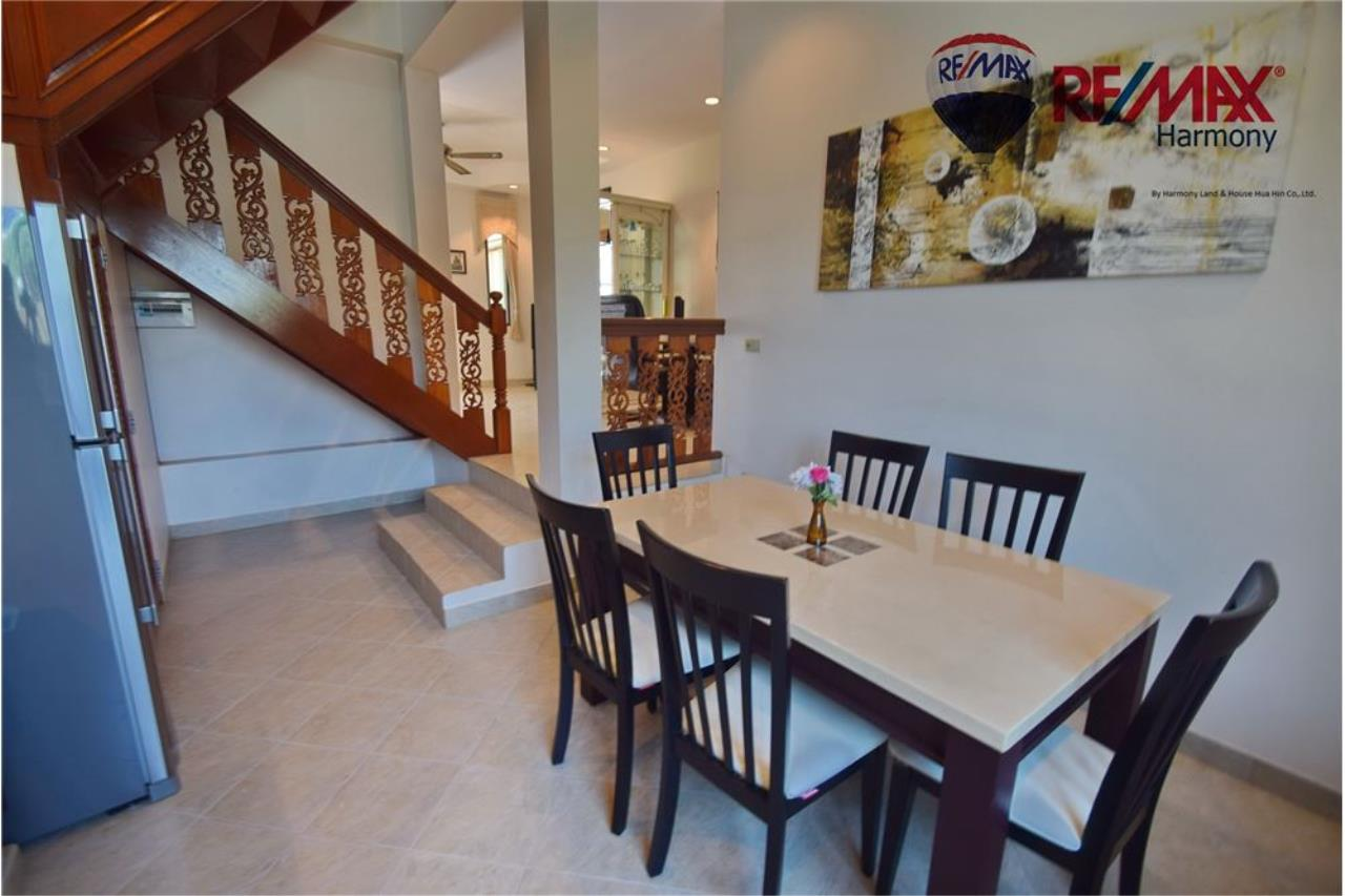 RE/MAX Harmony Agency's Unique Thai-style townhouse 200 m to the Cha Am Beach 11