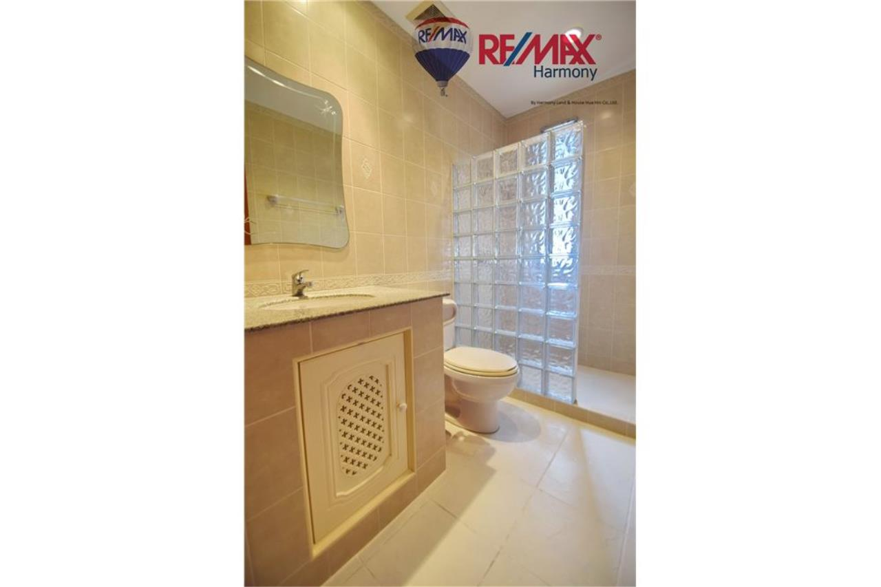 RE/MAX Harmony Agency's Unique Thai-style townhouse 200 m to the Cha Am Beach 15