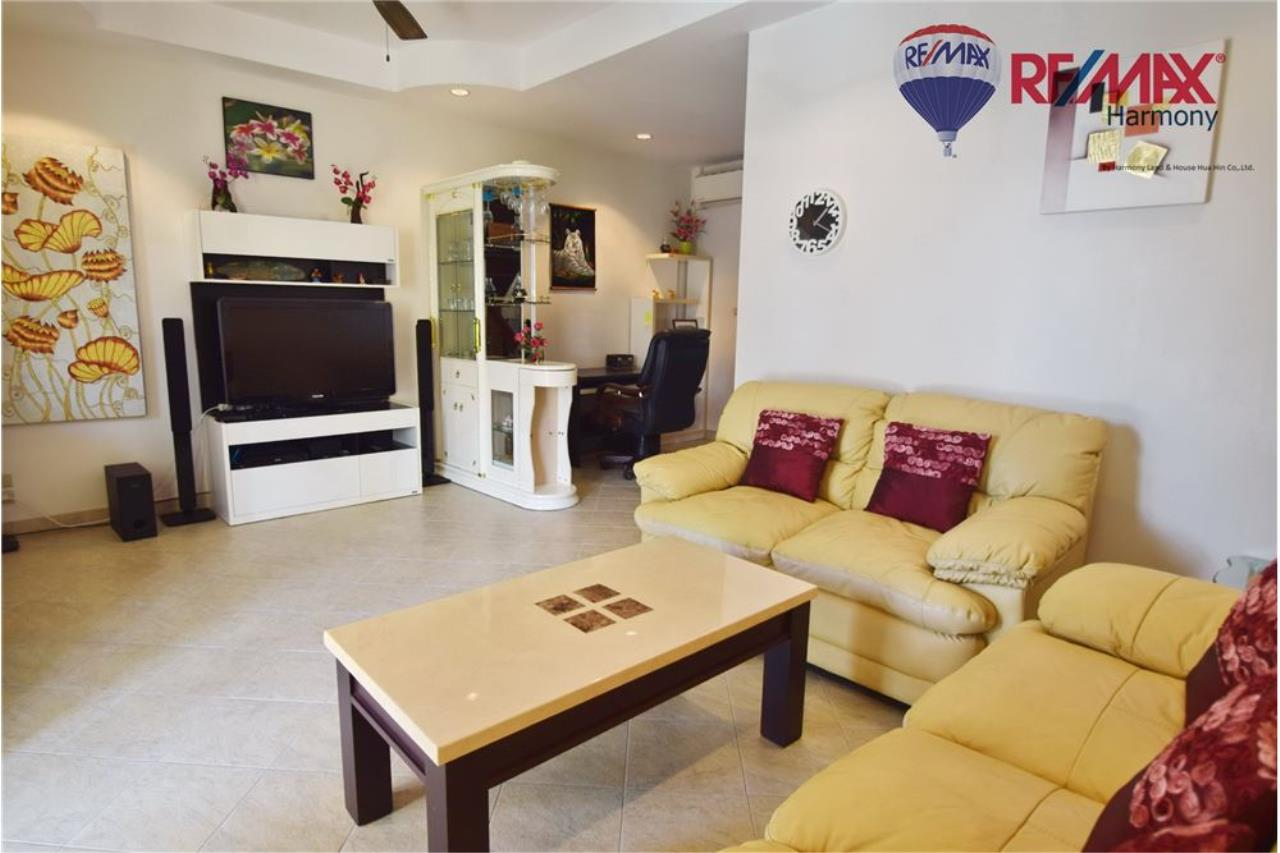 RE/MAX Harmony Agency's Unique Thai-style townhouse 200 m to the Cha Am Beach 6