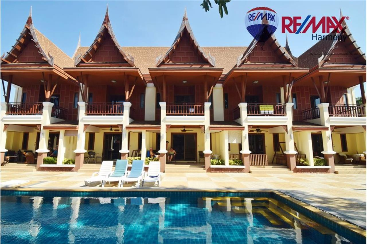 RE/MAX Harmony Agency's Unique Thai-style townhouse 200 m to the Cha Am Beach 1