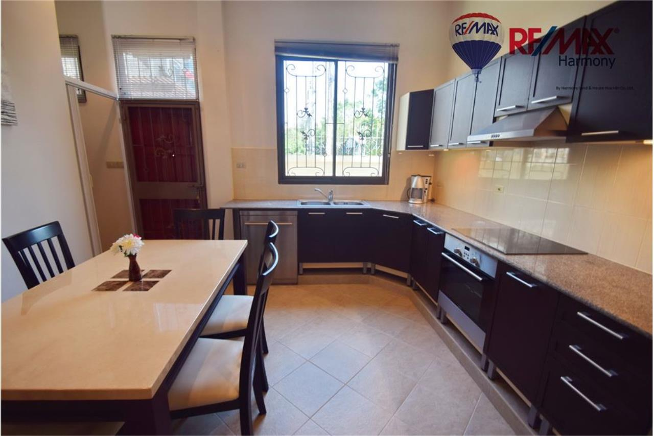 RE/MAX Harmony Agency's Unique Thai-style townhouse 200 m to the Cha Am Beach 10