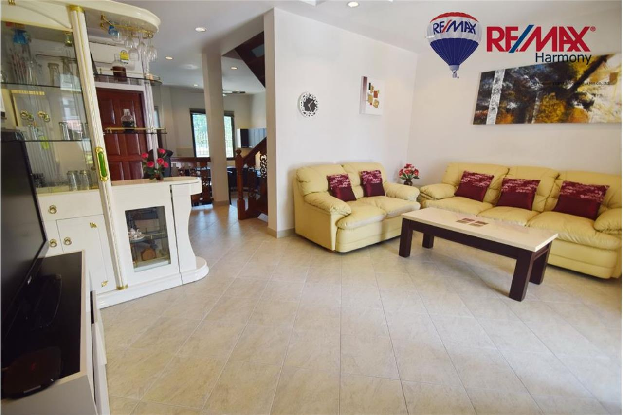 RE/MAX Harmony Agency's Unique Thai-style townhouse 200 m to the Cha Am Beach 4