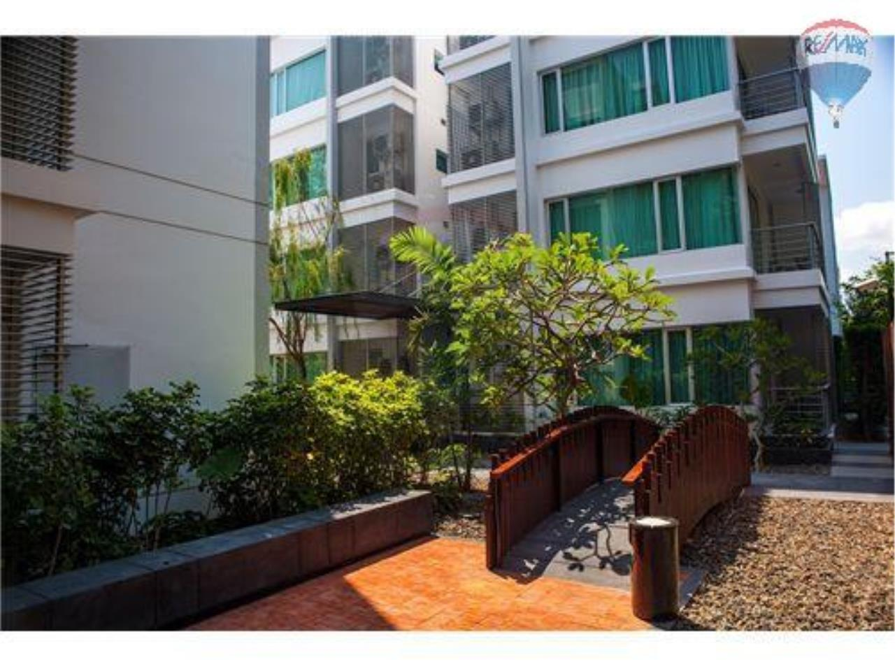RE/MAX Harmony Agency's Beachfront Condos for rent. City Center  + 2BRcorn 1