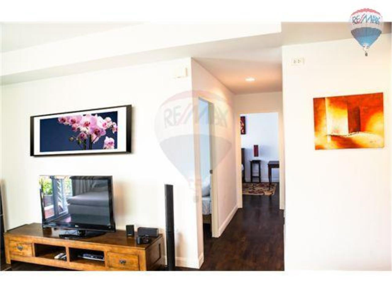 RE/MAX Harmony Agency's Beachfront Condos for rent. City Center  + 2BRcorn 16