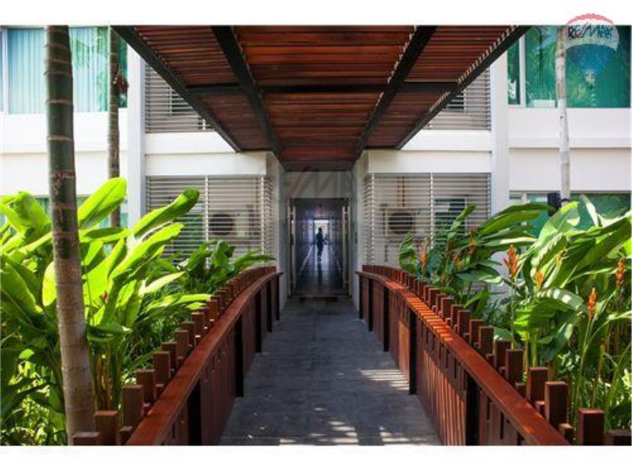 RE/MAX Harmony Agency's Beachfront Condos for rent. City Center  + 2BRcorn 9