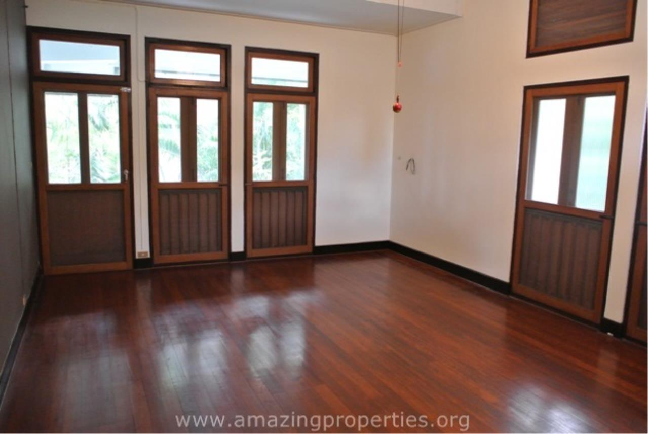 Amazing Properties Agency's 4 bedrooms House for rent 11