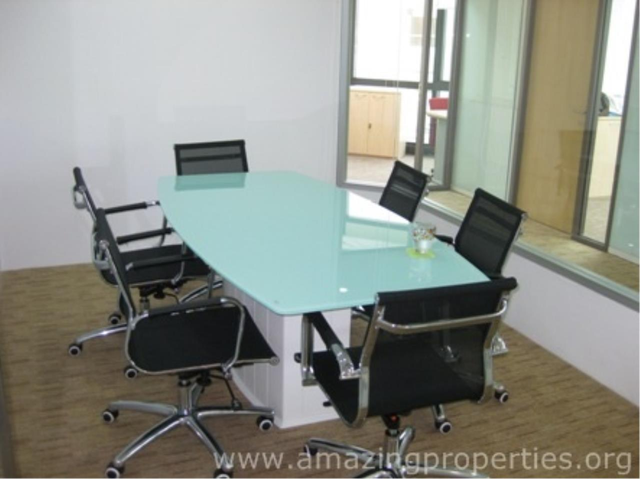 Amazing Properties Agency's Office for rent 8
