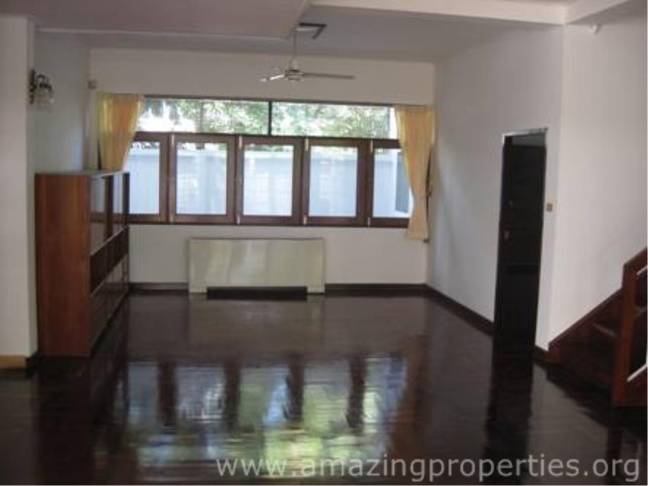 Amazing Properties Agency's 5 bedrooms Town House for rent 5