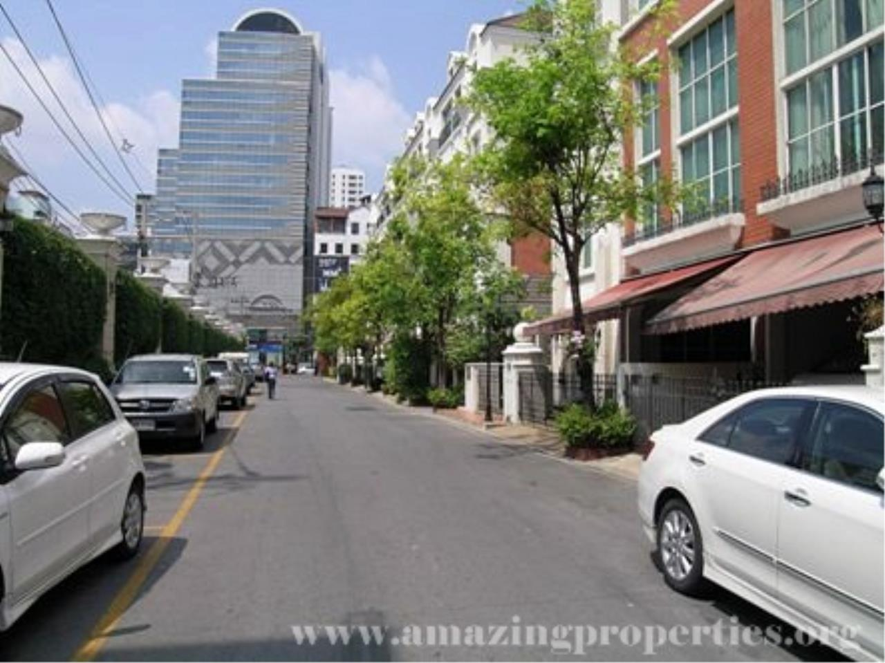Amazing Properties Agency's 3 bedrooms Town House for rent 4