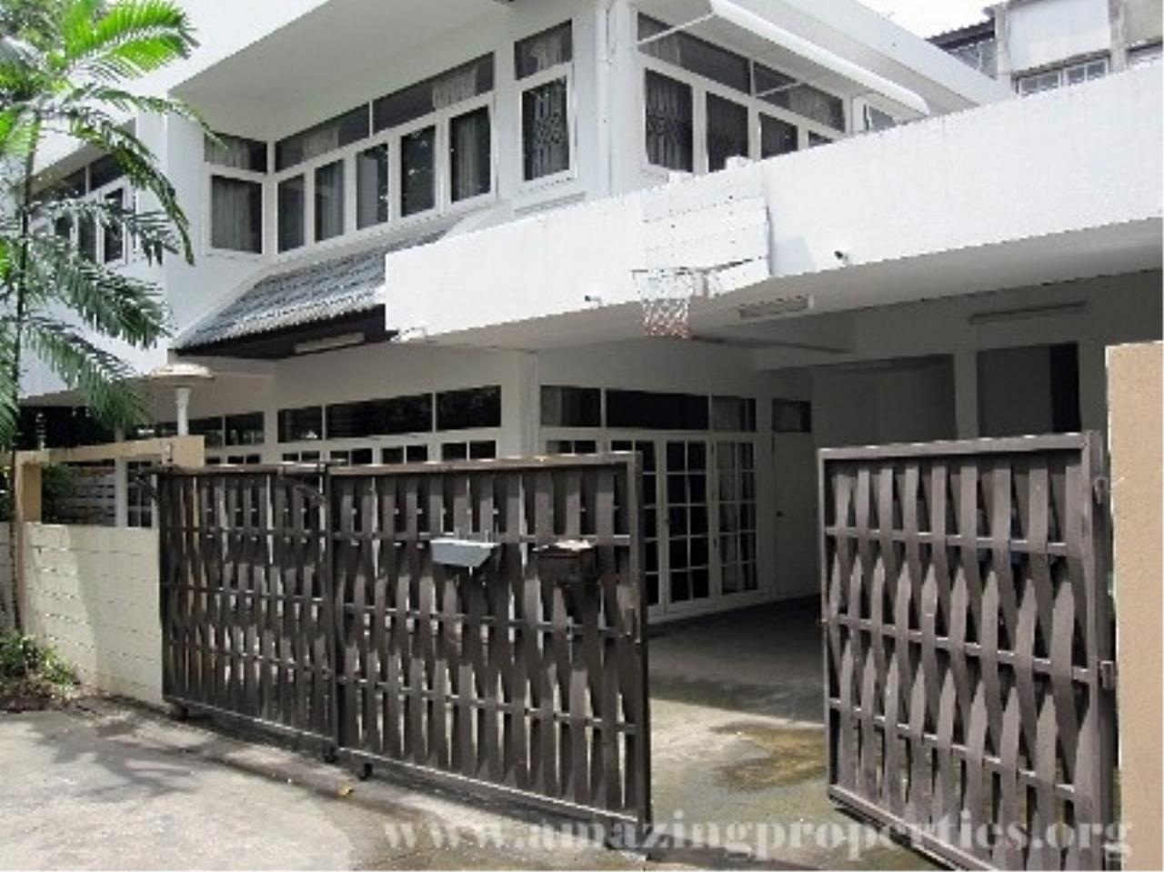 Amazing Properties Agency's 4 bedrooms Town House for rent 4
