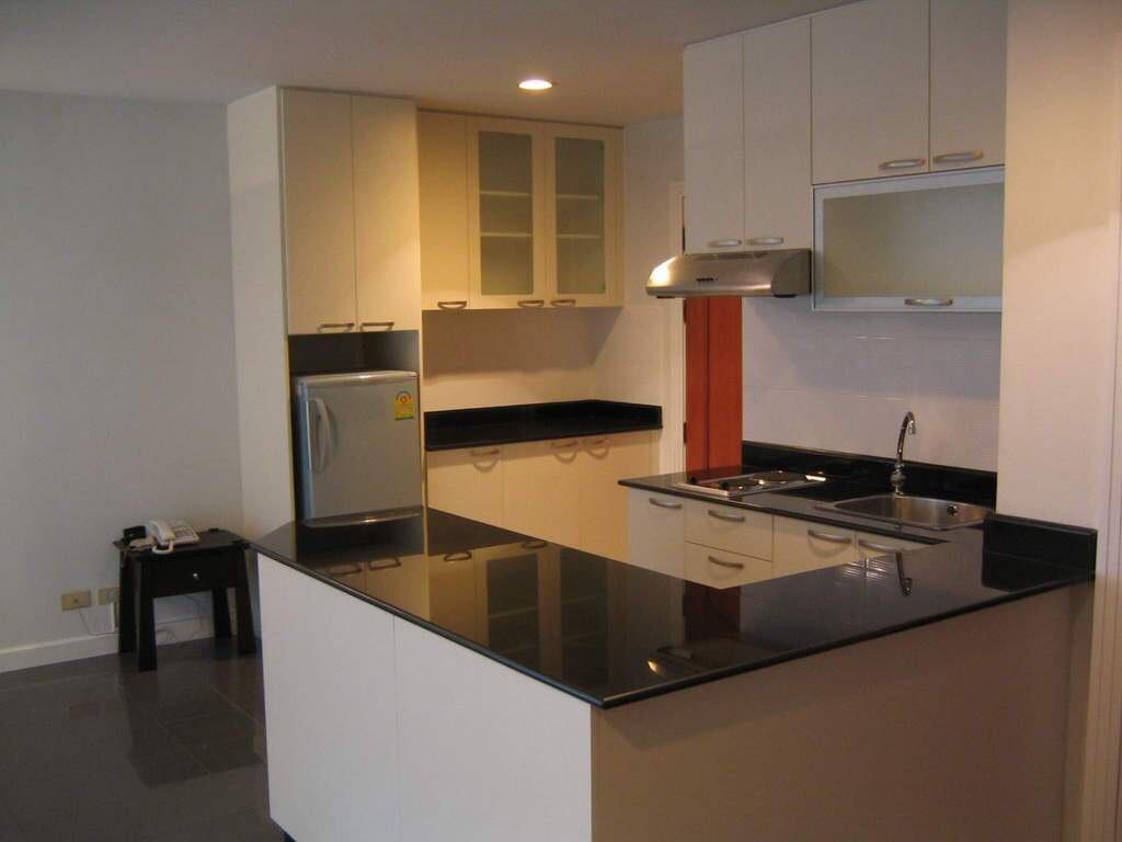RE/MAX Properties Agency's Asoke Place, BTS Asoke, 2B/1B, High Floor. 3