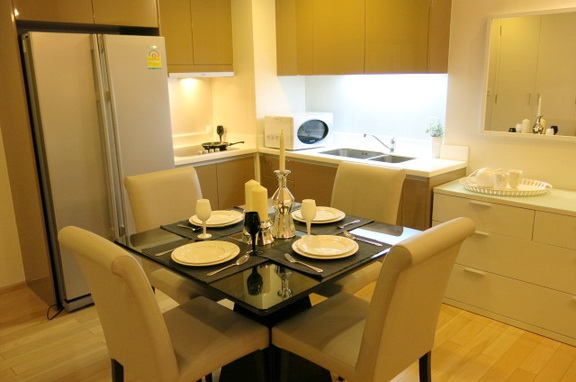 RE/MAX Properties Agency's RENT 2 Bedroom 70 Sq.m at Siri @ Sukhumvit 11