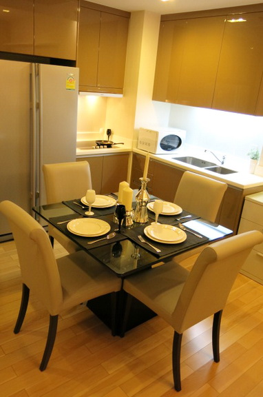 RE/MAX Properties Agency's RENT 2 Bedroom 70 Sq.m at Siri @ Sukhumvit 12