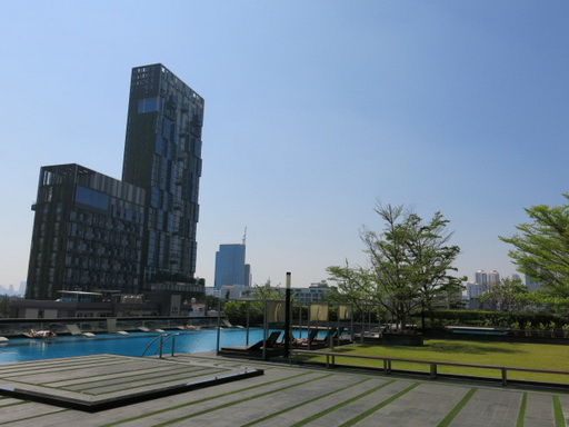 RE/MAX Properties Agency's RENT 2 Bedroom 70 Sq.m at Siri @ Sukhumvit 17