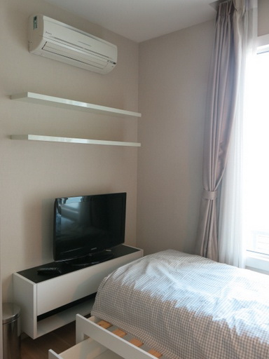 RE/MAX Properties Agency's RENT 2 Bedroom 70 Sq.m at Siri @ Sukhumvit 21