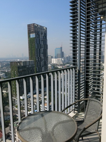 RE/MAX Properties Agency's RENT 2 Bedroom 70 Sq.m at Siri @ Sukhumvit 31