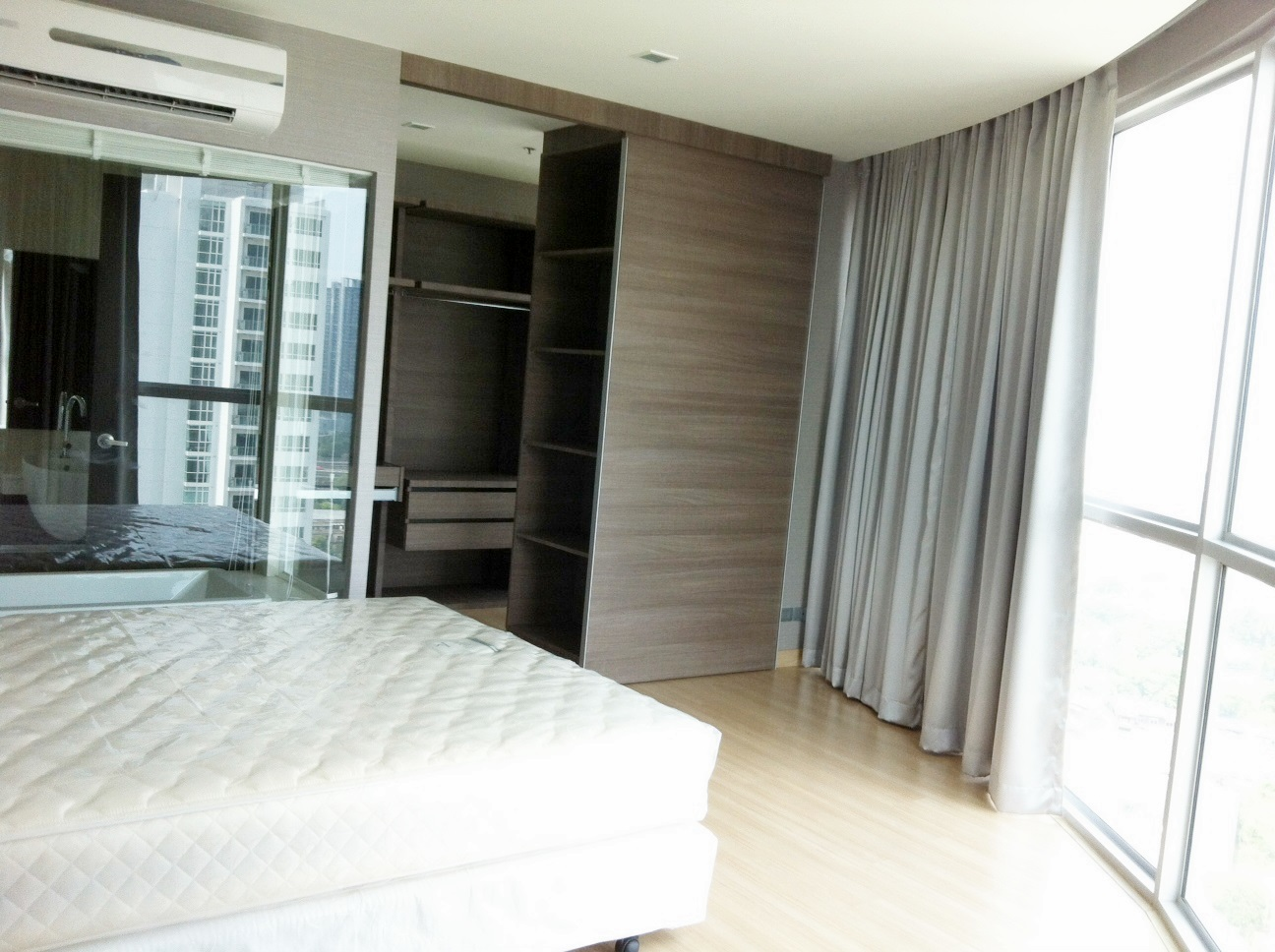 RE/MAX Properties Agency's RENT 1 Bedroom 52 Sq.m at Sky Walk condominium 4