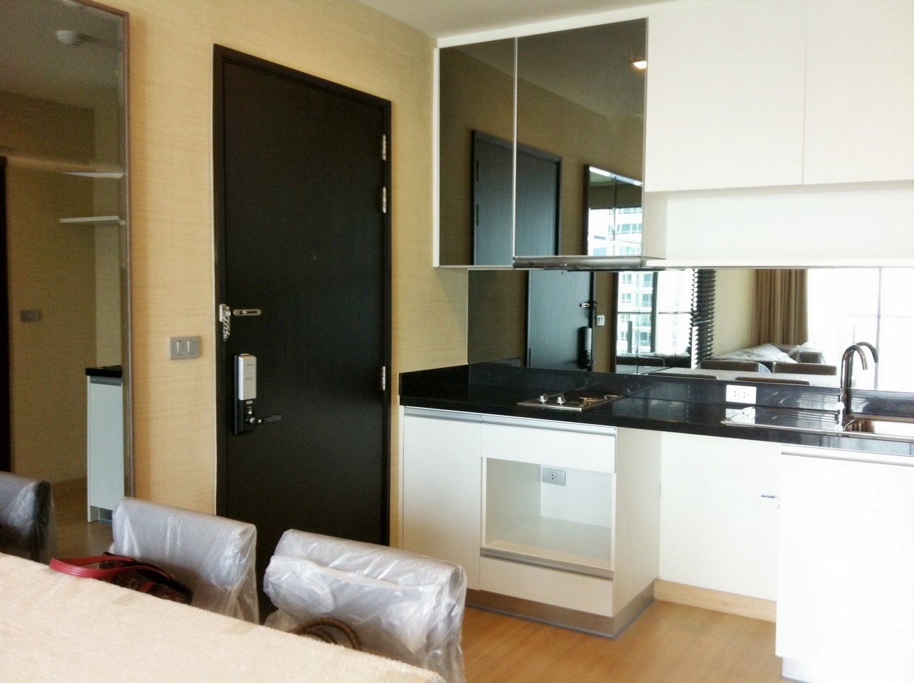 RE/MAX Properties Agency's RENT 1 Bedroom 52 Sq.m at Sky Walk condominium 6