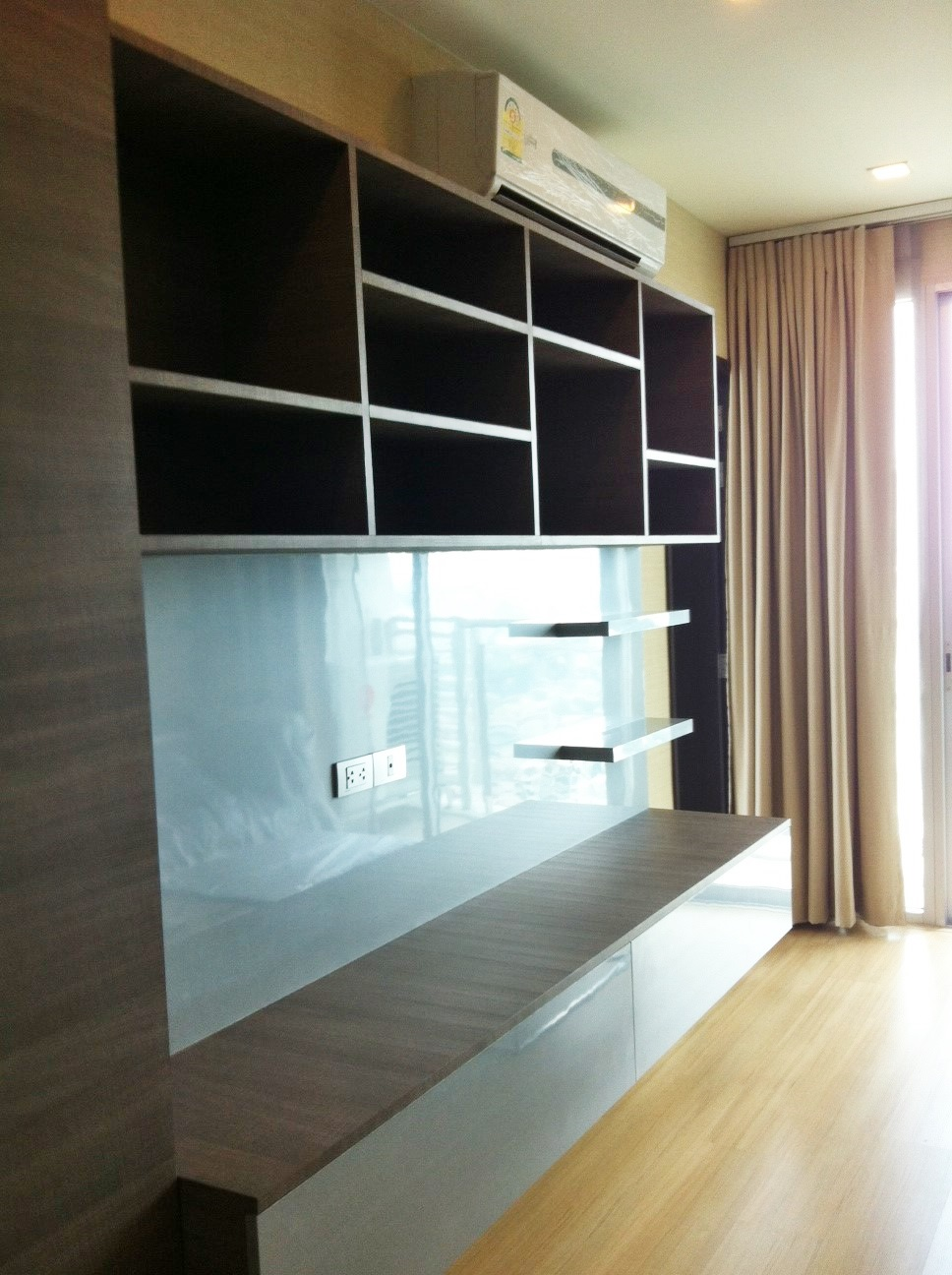 RE/MAX Properties Agency's RENT 1 Bedroom 52 Sq.m at Sky Walk condominium 10