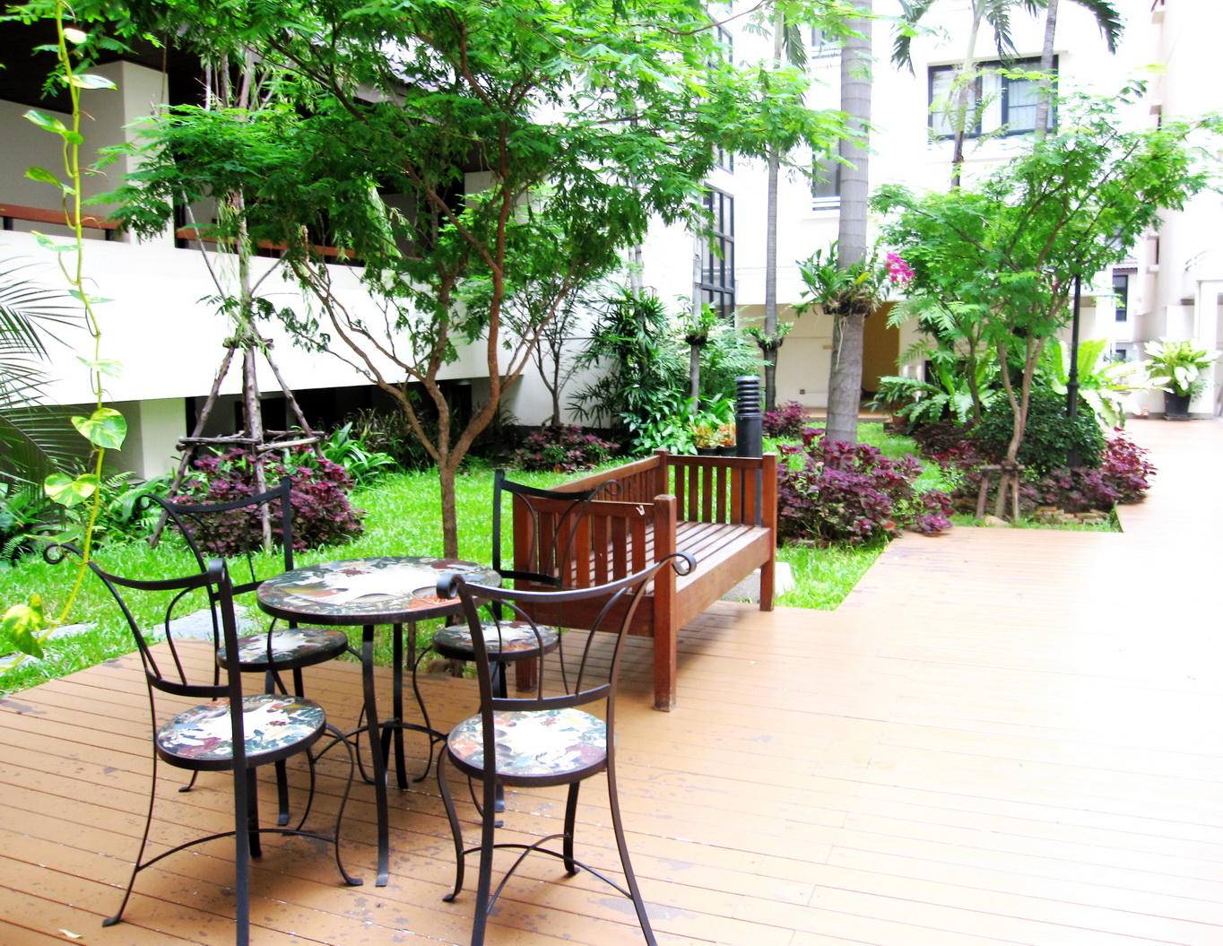 RE/MAX Properties Agency's 2 Bedroom 82.5 Sq.m. for Rent at Baan Chan Condominium 13