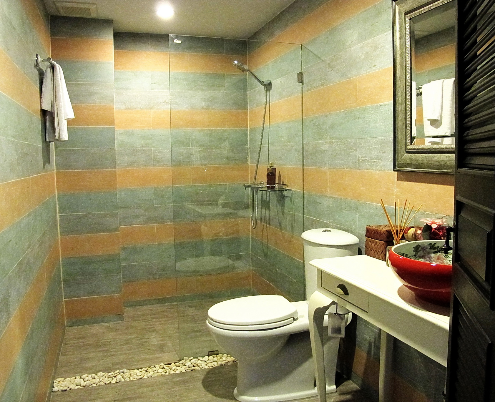 RE/MAX Properties Agency's 2 Bedroom 82.5 Sq.m. for Rent at Baan Chan Condominium 5