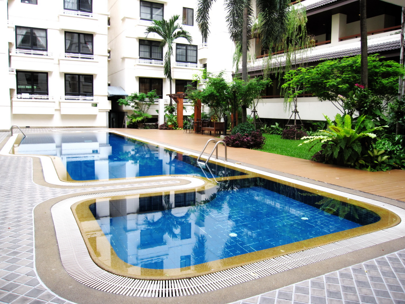 RE/MAX Properties Agency's 2 Bedroom 82.5 Sq.m. for Rent at Baan Chan Condominium 12