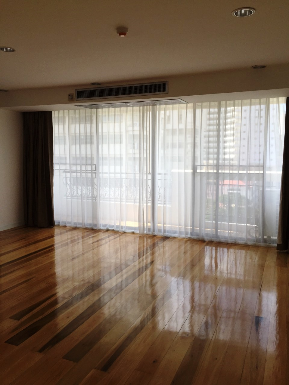 RE/MAX Properties Agency's Prime Mansion One, 3B/4B, MRT Petchaburi, Asoke 3