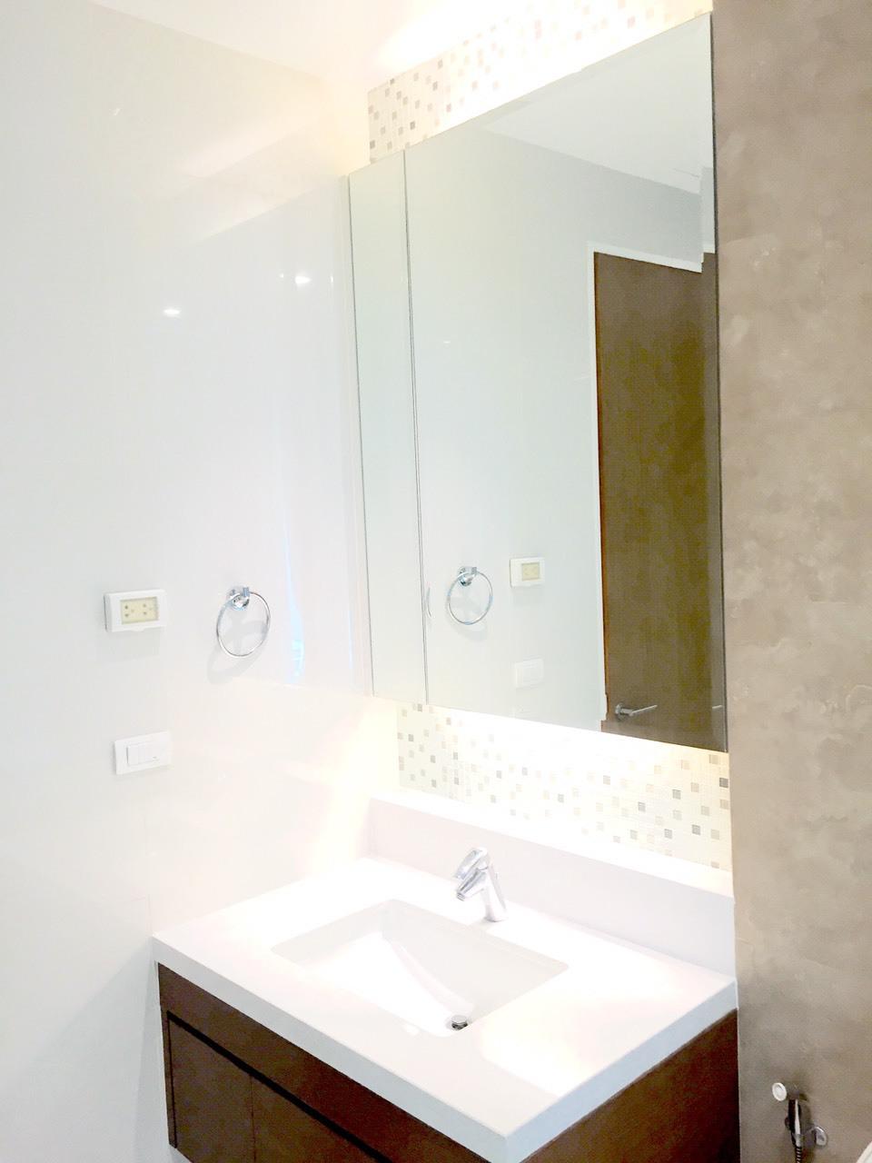 RE/MAX Properties Agency's Bright Sukhumvit 24 8