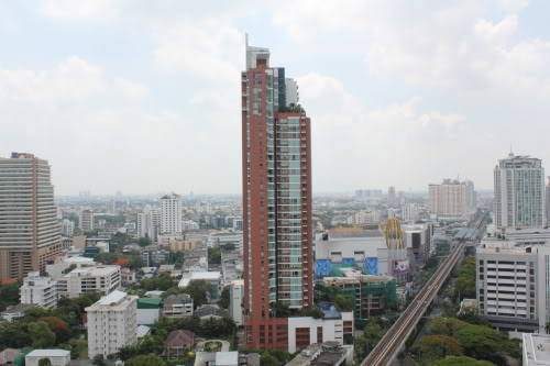 RE/MAX Properties Agency's Siri at Sukhumvit 11