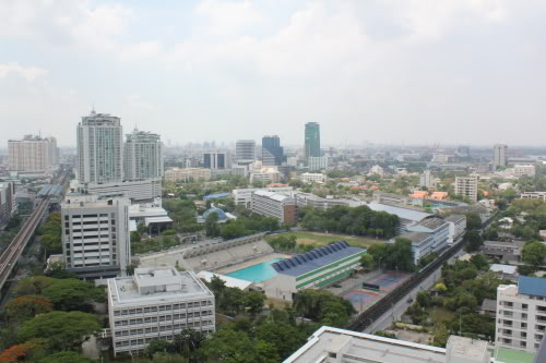RE/MAX Properties Agency's Siri at Sukhumvit 12