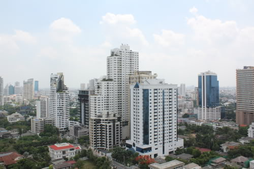 RE/MAX Properties Agency's Siri at Sukhumvit 13