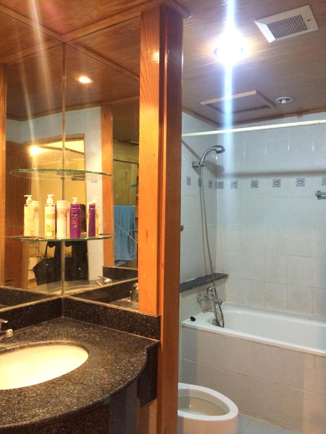 RE/MAX Properties Agency's RENT 1 Bedroom 47 Sq.m Baan Suk San 4