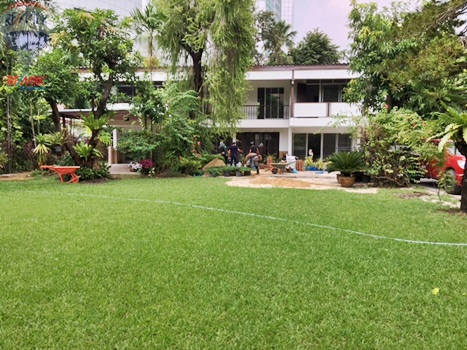 RE/MAX Properties Agency's RENT 5 Bedroom 1 Rai of land at Soi sukhumvit 16 2