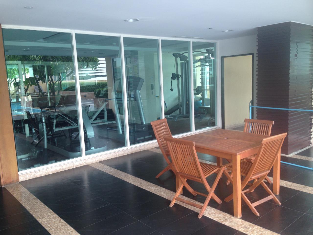 RE/MAX Properties Agency's Wilshire 23