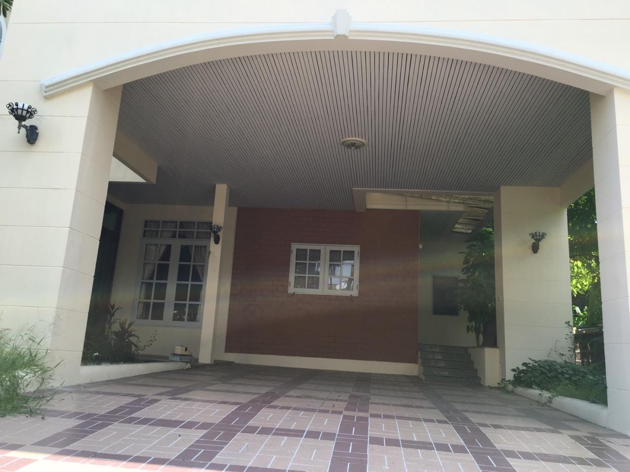 RE/MAX Properties Agency's Baan Suan srinakarindra 2