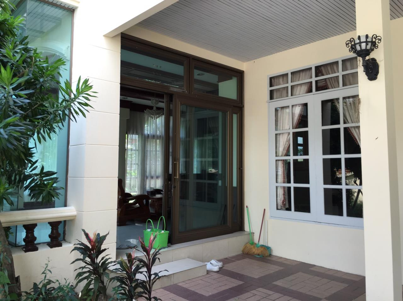 RE/MAX Properties Agency's Baan Suan srinakarindra 1