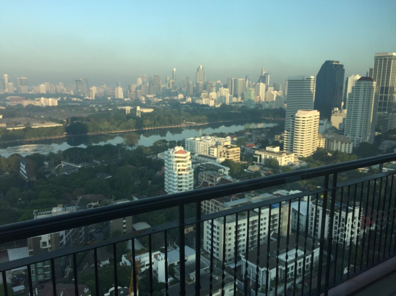 RE/MAX Properties Agency's Aguston Sukhumvit 22 6