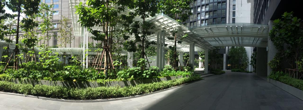 RE/MAX Properties Agency's Noble Ploenchit 3