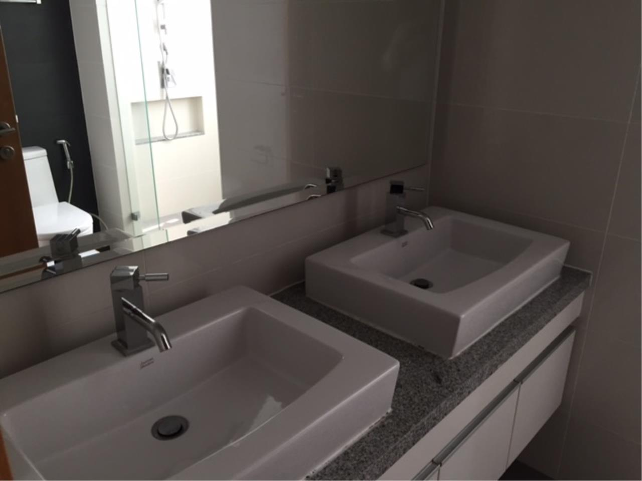 RE/MAX Properties Agency's 3 Bedroom 146 sq.m. for Rent at Millennium Residence 7