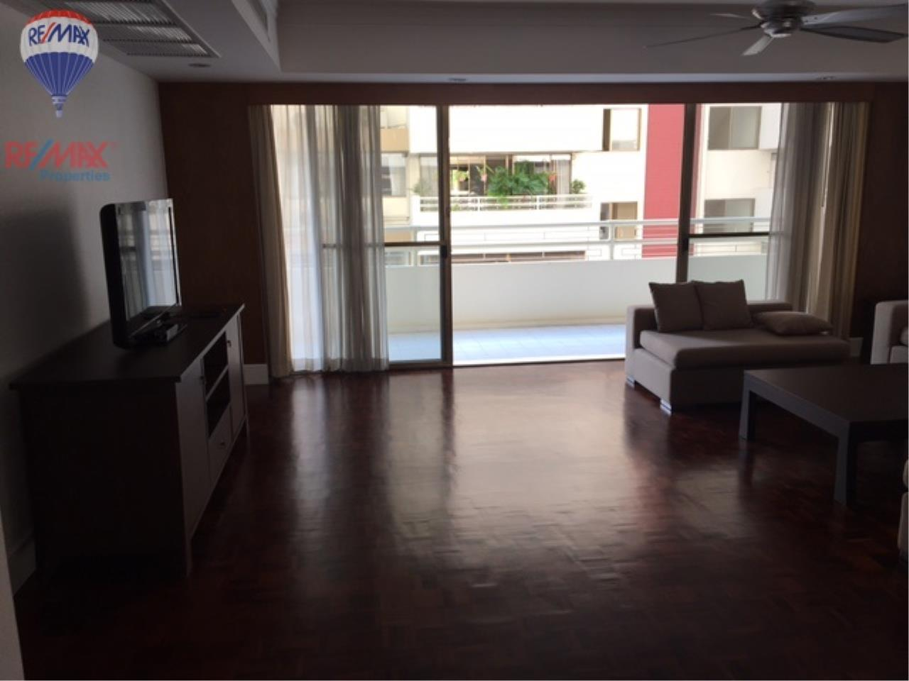 RE/MAX Properties Agency's 4 Bedroom 330 Sq.m for rent in Soi 39 2