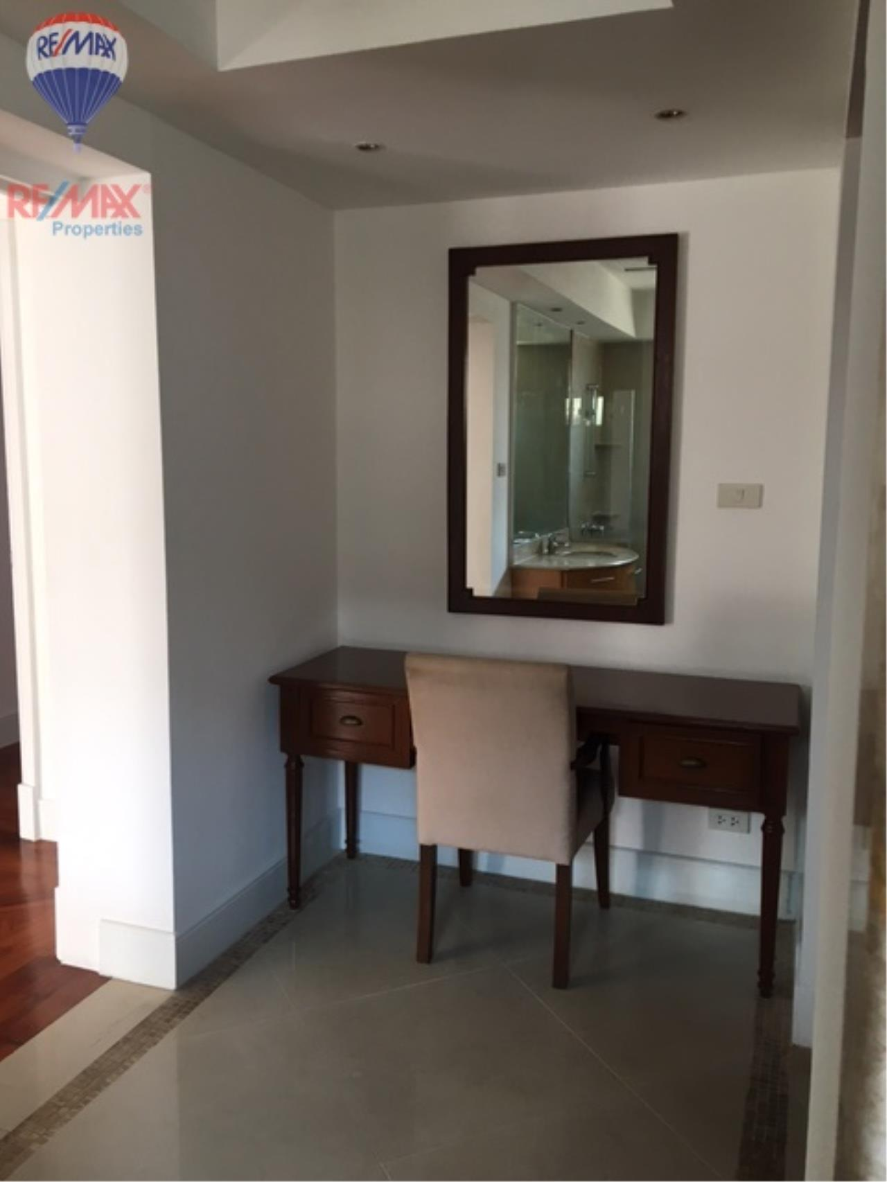 RE/MAX Properties Agency's 4 Bedroom 330 Sq.m high floor for rent in Soi 39 13